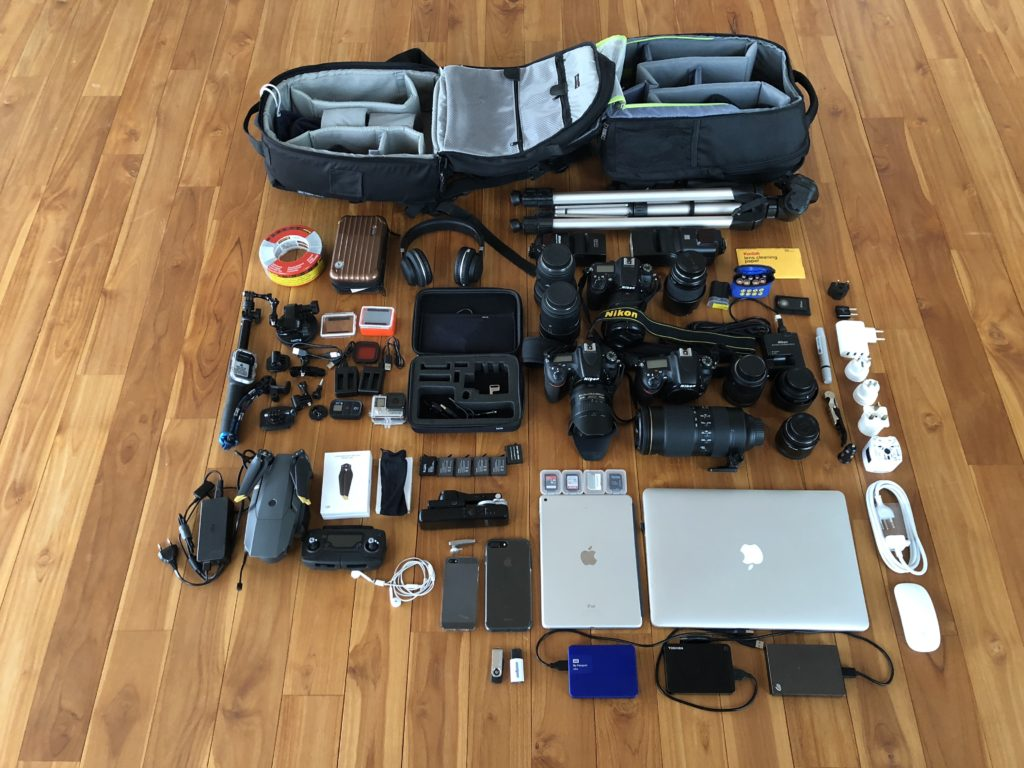 Complete tech gear for a 5 week trip Edition 2018